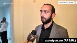 И. о. первого вице-премьера Арарат Мирзоян (архив)