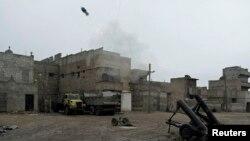 Обстрел из миномета в сирийском городе Алеппо. Иллюстративное фото.