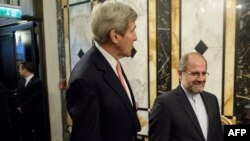 John Kerry dhe Mohammad Javad Zarif (djathtas) në takimin në Vjenë