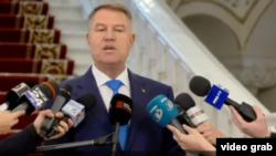 Klaus Iohannis vorbind jurnaliștilor, București, 7 decembrie 2018.