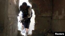 سخنگوی پنتاگون میگوید آموزشها میتوانند تا چند ماه به درازا بکشند و اگر در اوایل بهار آغاز شوند، برخی از مخالفان «تا پیش از پایان سال (میلادی)… میتوانند برای انجام نبردها با داخل سوریه باز گردند»