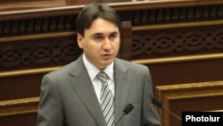 Armenia - Deputy Prime Minister Armen Gevorgian addresses the parliament, Yerevan, 17Jun2013.