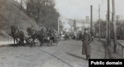 Німецький військовий на Олександрівському (тепер – Володимирський) уз-возі. Весна 1918 року
