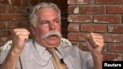 Стив Кляйн дает интервью Reuters. 12 сентября 2012 года.
