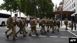 سربازان ارتش بریتانیا در اطراف «اسکاتلندیارد»