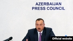 Azerbaijan - President Ilham Aliyev meets members of the Press Council's board in Baku, 22Jul2010