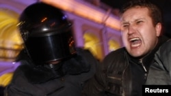 Столкновение петербургской оппозиции с полицией. 31 декабря 2011 г