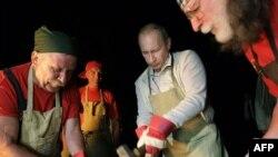 В Иркутской области Владимиру Путину снова пришлось демонстрировать искусство ручного управления экономикой