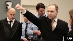 Anders Behring Breivik u sudnici, 16. april 2012.
