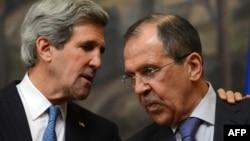 Джон Керри и Сергей Лавров в Москве 7 мая 2012 г.