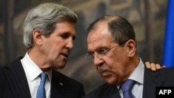 Russia -- US Secretary of State John Kerry (L) and his Russian counterpart Sergei Lavrov speak as attend their joint press conference in Moscow on 07May2013