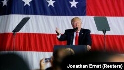 Дональд Трамп выступает перед военнослужащими США на Сицилии, 27 мая 2017