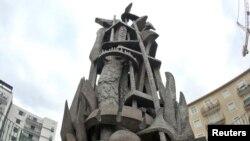 """Francë, një monument ku shkruan """"Në përkujtim të 1.5 milionë armenëve që u masakruan në vitin 1915""""."""