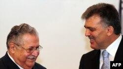 الرئيسان طالباني وغل
