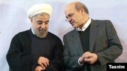 عیسی کلانتری، معاون رئیس جمهور و رئیس سازمان حفاظت محیط زیست ایران در کنار حسن روحانی