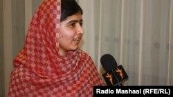 Malala Yousafzai gjatë një interviste për Radion Evropa e Lirë
