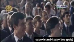 Musiqa festivali telenamoyishida prezidentning ikki kuyovi ham katta planda ko'ringan