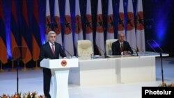 Лидер РПА, президент Армении Серж Саргсян выступает на съезде партии. 26 ноября 2016 г.