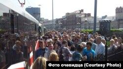На Площади трех вокзалов (Комсомольская площадь Москвы)