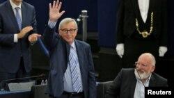 Жан-Клод Юнкер остава начело на Европейската комисия, докато следващият състав на Урсула фон дер Лайен бъде назначен от Съвета на ЕС