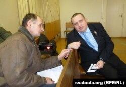 Ігар Пасноў (справа) і праваабаронца Пётар Іваноў