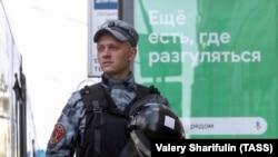"""""""Мы зачищаем город от протестующих"""". Фото"""