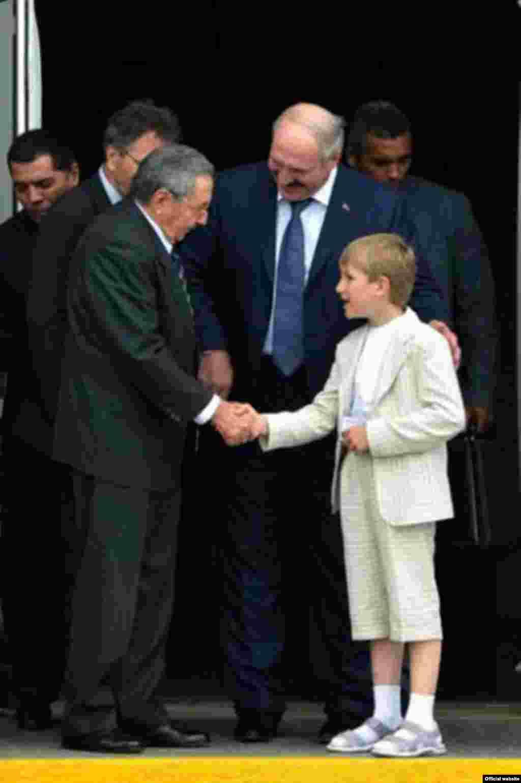 Kolya and Lukashenka meet with Cuban President Raul Castro