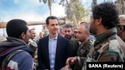 Bašar al-Asad sa sirijskim vojnicima u istočnoj Guti, 18. mart 2018.