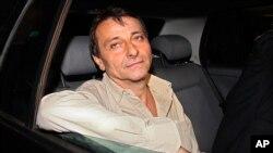 Чезаре Баттисти покидает итальянскую тюрьму