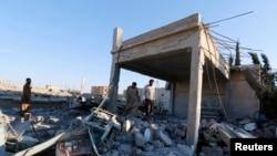 Fabrika pogođena u vazdušnim napadima međunarodnih snaga na položaje militanata Islamske države u Siriji, septembar 2014.