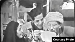 مشهد من التمثيلية التلفزيونية تحت موس الحلاق