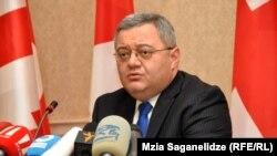 Давид Усупашвили точно знает, какими качествами должен обладать человек, который следующие несколько лет будет возглавлять страну