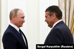 Владимир Путин и Зигмар Габриэль, 29 июня 2017