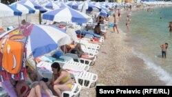 Jedna od plaža u Budvi
