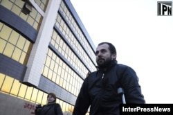 Akhmed Chatayev leaving a Tbilisi court on December 6, 2012.