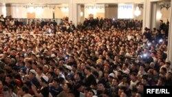 На проповеди киргизских богословов пришли тысячи людей
