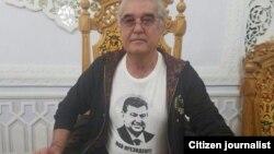 Салим Абдувалиев, известный как «криминальный авторитет», в футболке с изображением Шавката Мирзияева и надписью «Мой президент!»
