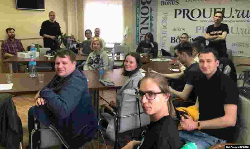 РУСИЈА - Полицијата во рускиот град Владивосток го прекина основачкиот собир на регионалниот огранок на граѓанските групи основани од политичкиот непријател на Кремљ, Михаил Ходорковски, и при тоа уапси неколку активисти, соопшти движењето Отворена Русија.