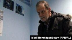 Ағылшын тілінің оқытушысы,америкалық азамат Оуэн, Алматы, 18 қаңтар 2013 жыл.