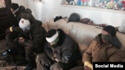 Полонені бойовики, яких захопили українські спецслужби в районі донецького аеропорту