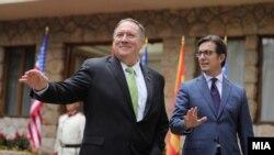 Американскиот државен секретар Мајк Помпео и македонскиот претседател Стево Пендаровски во Охрид