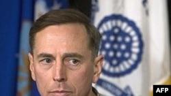 فرمانده نیروهای نظامی آمریکا در عراق، روز چهارشنبه گفت ایران همچنان به آموزش شورشیان ادامه می دهد و «ثبات عراق را با مشکلی جدی» روبه رو کرده است.