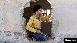 Боец Свободной армии Сирии в Алеппо. Иллюстративное фото.
