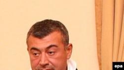 Леван Гачечиладзе постарается одолеть Михаила Саакашвили один на один