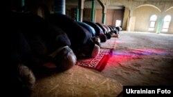 Мусульмане отмечают сегодня окончание поста в месяц Рамадан