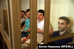 Руслан Зейтуллаєв, Рустем Ваїтов, Нурі Примов, Ферат Сайфуллаєв в залі суду, 2016 рік