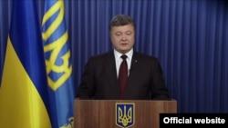 Президент Петро Порошенко украиналикларга мурожаат қилмоқда, Киев, 2014 йилнинг 26 октябри.