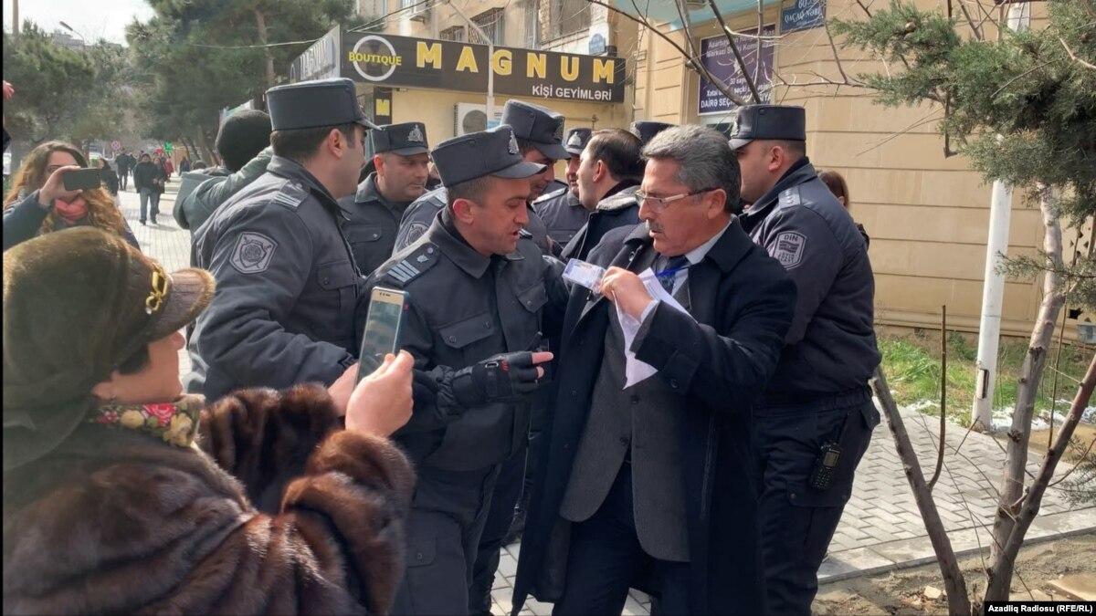 В Азербайджане полиция задержала более 20 оппозиционных кандидатов