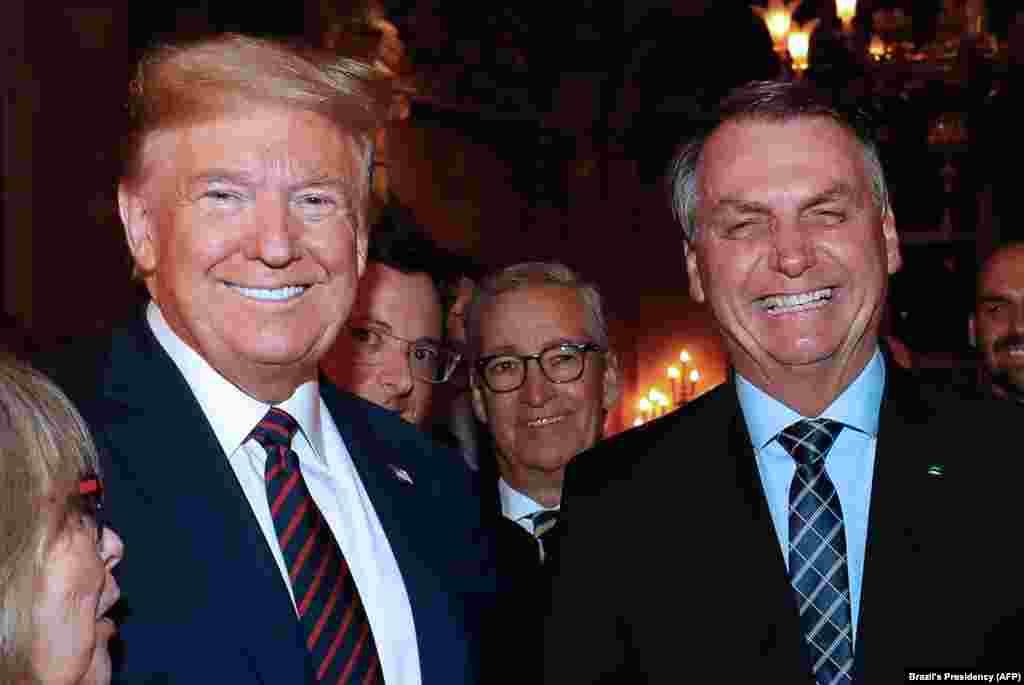 Захворів на Covid-19 і президент Бразилії Жаїр Болсонару, а такожголова спеціального секретаріату з комунікацій Фабіо Вайнгартена. За тиждень до виявлення хвороби, Болсонару та Вайнгартена зустрічалися з Дональдом Трампом. Тож президент США також був змушений здати тест на коронавірус, який виявився негативним