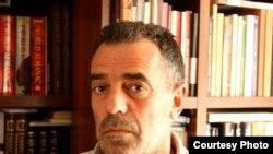 Halil Matoshi, analist politik
